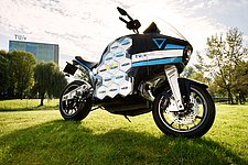 TU/e student team presents first electric touring motorcycle