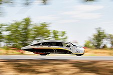 Solar Team Eindhoven halverwege race koploper in klassement in World Solar Challenge