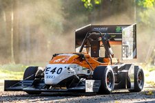 URE keen to beat Delft to the prize: first driverless racing car