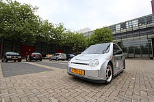Students present the most economical city car in the Netherlands